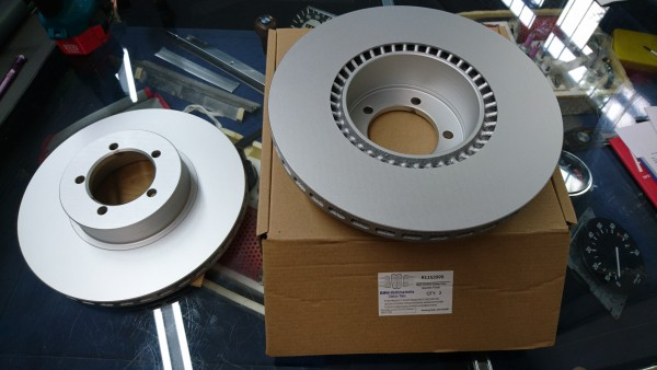Bremsscheiben Vorderachse Satz (2 Stück) BMW E3 3,0 CS CSI E3 2800 - 3,3 Li