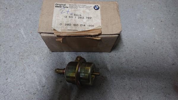 Druckregler 2,5 Bar L-Jetronic BMW E12 E24 E23 orig. BMW / Bosch neu!