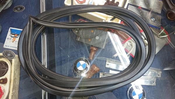 Türdichtung BMW Baureihe E21 315-323i links oder rechts neu !